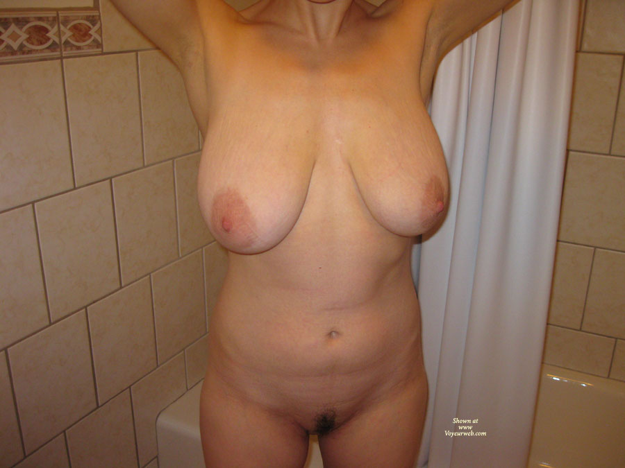 Pic #1 Nude Amateur: Hefty Boobs - Nude Amateurs