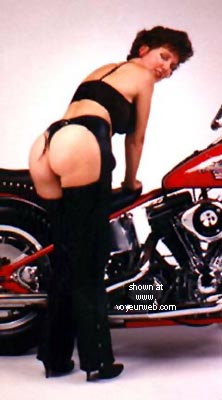 Pic #1 Sexy Rear on a Harley