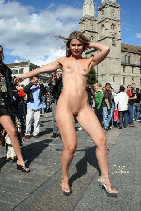 Shoulder Length Blonde - Heels, Nude In Public, Shaved Pussy , Shoulder Length Blonde, Nude In Public, Shaved Pussy, Naked In Public, High Heels