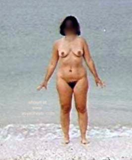 Pic #1 Liz      at the Beach