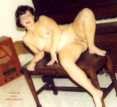 Pic #1 Ample      Wife 3