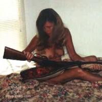 Gun      Nude