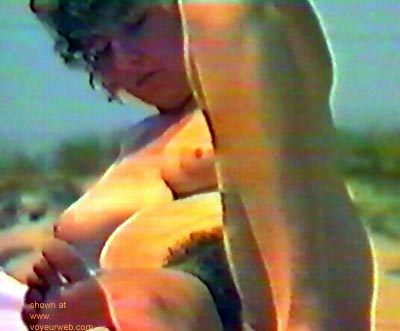 Pic #1 Candid      Nude Beach 1
