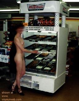 Pic #1 Naked      Donut Girl