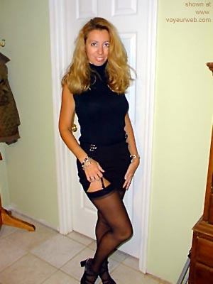 Pic #1 Blond      Wife in Black