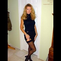 Blond      Wife in Black