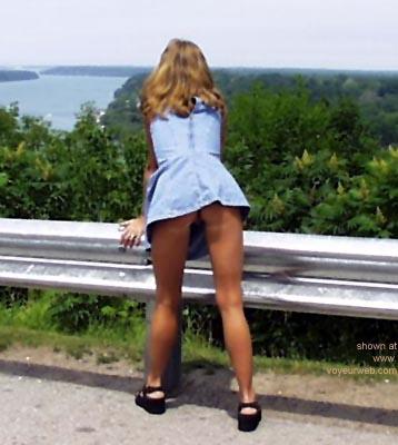 Pic #1 Sashana      in public