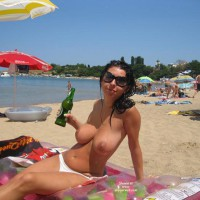 Topless Girlfriend: Nice Day On The Beach - Topless Girlfriends