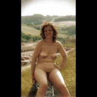 My wife from ny is nude
