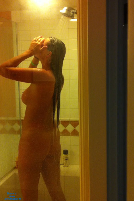 Pic #1 Nude Wife:On Vacation - Nude Wives