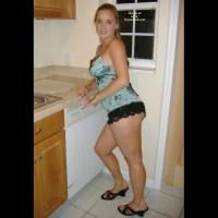 Sarah - Hot Fun In The Kitchen