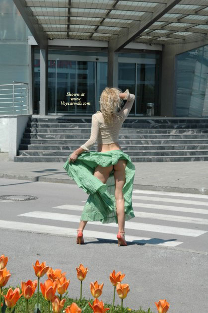 Windblown Skirt - Flashing, Sexy Ass , Upskirt, Green Long Rock, No Panties, Long Green Skirt, Red High Heel Sandals, Flashing Her Sexy Ass, White Lace Shirt