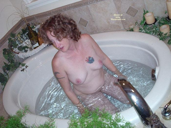 Pic #1*gg Lusty Lesbians' Hot Tub Fun