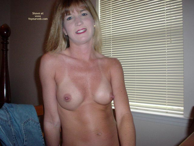 Pic #1 Ginger Shows All At Home