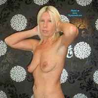 UK - XXX - Blonde