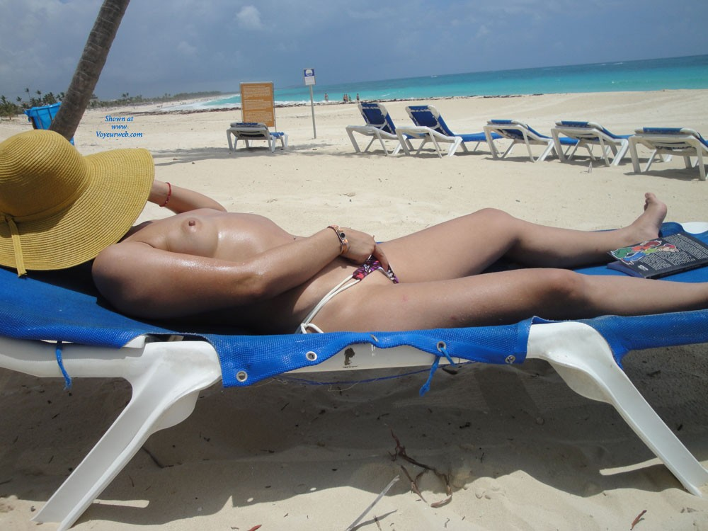 Sunbathing - Beach Voyeur , A Beautiful Beach