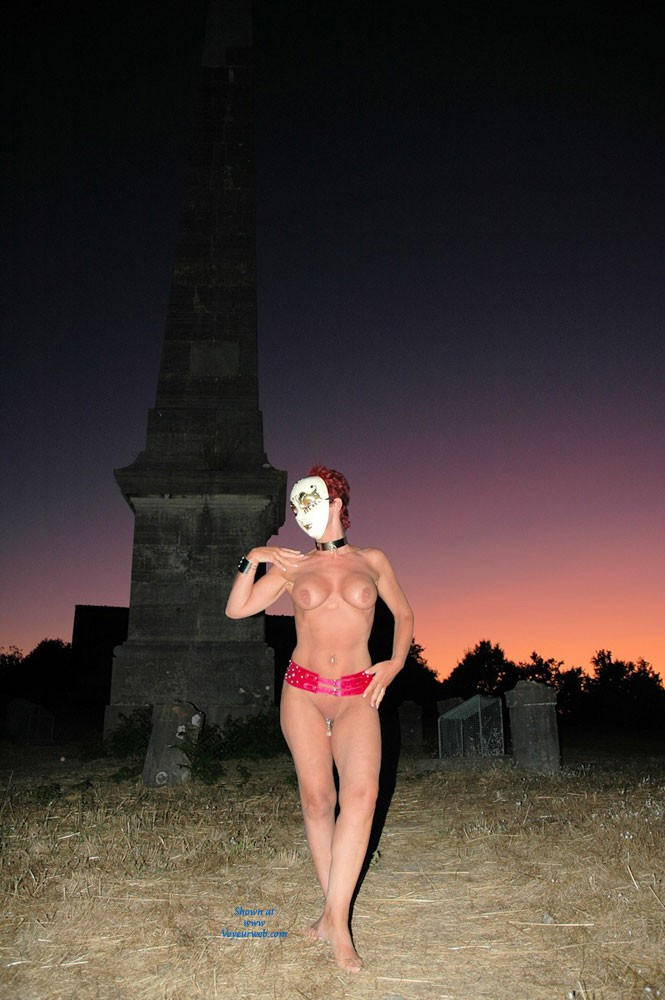A Mime - Nude Outdoors , A Mime On A Sunset