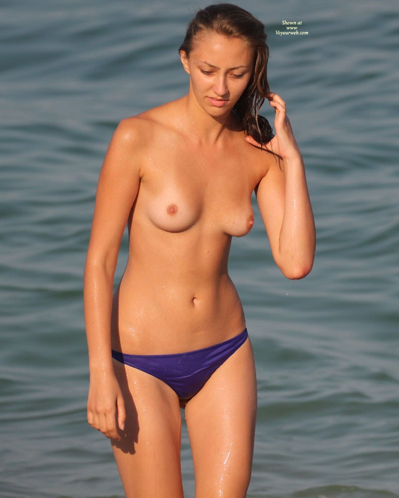 Shy Girl - Beach Voyeur , She Stood For A While Only Topless, But Her Boyfriend Insisted And She Got Naked. I Felt Very Lucky..