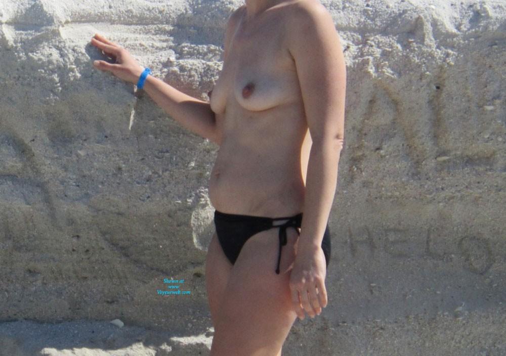 Pic #1To The Beach - Beach, Bikini Voyeur