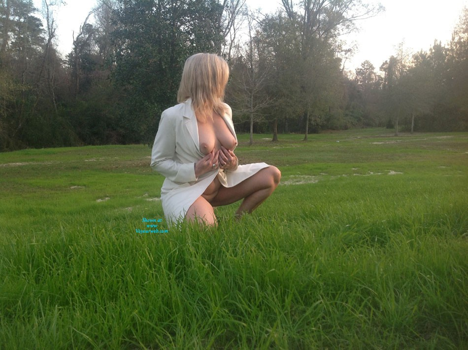 Pic #1Outdoor Fun - Blonde
