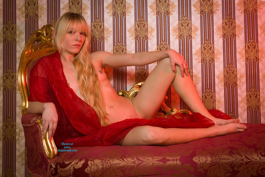 Gold - Blonde Hair , Patricia With Her Golden Hair In A Golden Room