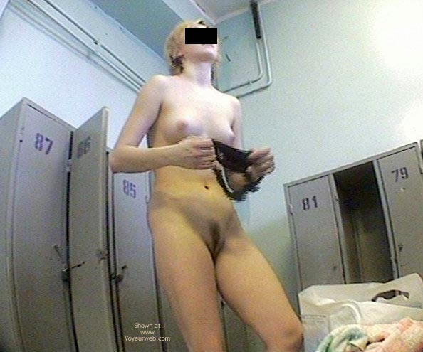 Pic #1 More Teens In Dress Room