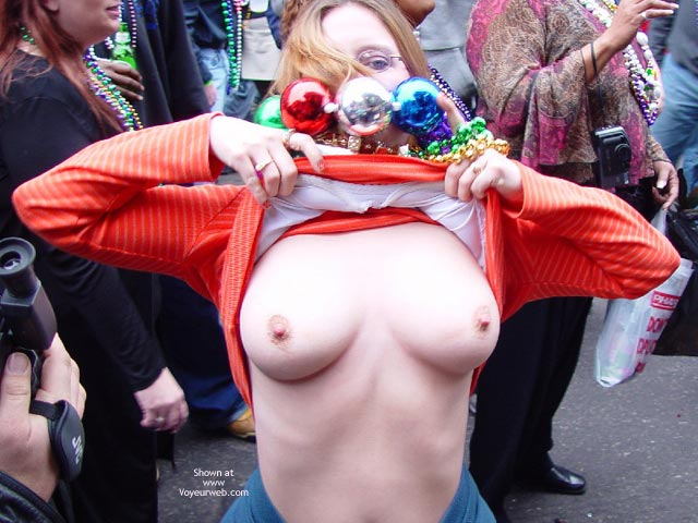 Rounded White Boobs , Rounded White Boobs, Flashing For Beads, Boob Voyeur