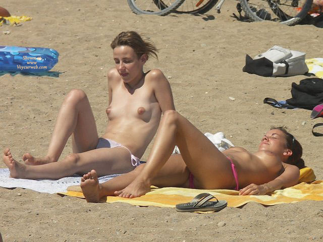 titties in spanish