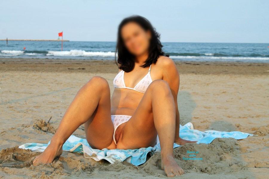 Pic #1Divissima Bikini - Pussy, Beach, Bikini Voyeur, Brunette, Shaved
