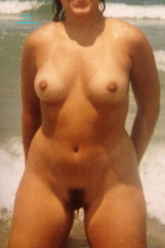 Pic #1Jamaica and Playalinda - Beach, Bush Or Hairy, Brunette, Medium Tits, Pussy