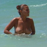 Spanish Girl in Capri (Italy) - Brunette, Beach