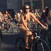Rollin' In The City - Nude In Public , Here's A Look At This Sexy Skateboarder As She Was Riding With Philly Naked Bike Riders On Sunday.
