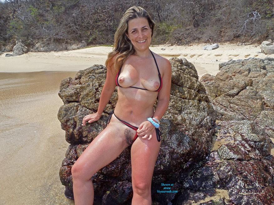 Hot Carolina - Bikini, Flashing, Hairy Bush, Hard Nipple, Perfect Tits, Pussy Lips, Beach Voyeur, Sexy Ass , Hot Pics From Hot Days Make Me Very Hot...