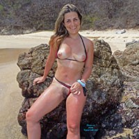Hot Carolina - Bikini, Flashing, Hairy Bush, Hard Nipple, Perfect Tits, Pussy Lips, Beach Voyeur, Sexy Ass , Hot Pics From Hot Days Make Me Very Hot...
