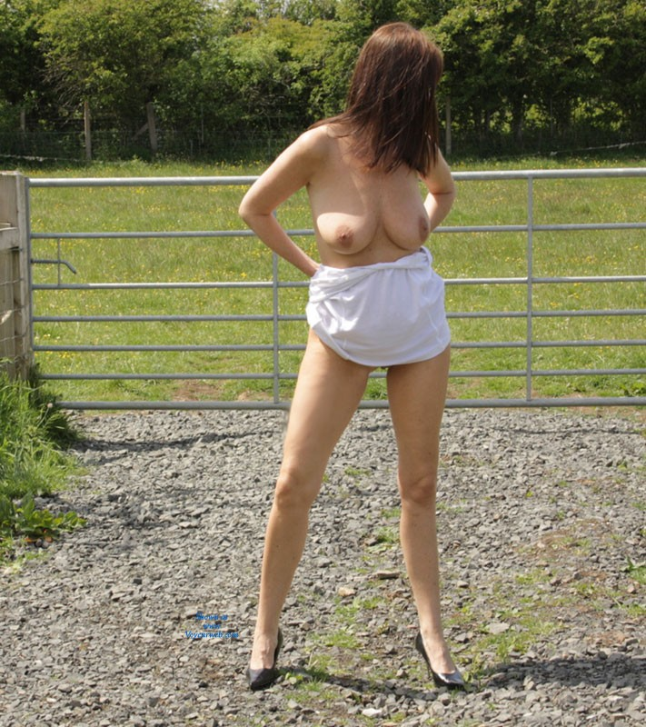 Pic #1Outside Pictures Last Weekend - Big Tits, Brunette, High Heels Amateurs, Natural Tits, Nature, Pussy, Shaved, Public Place