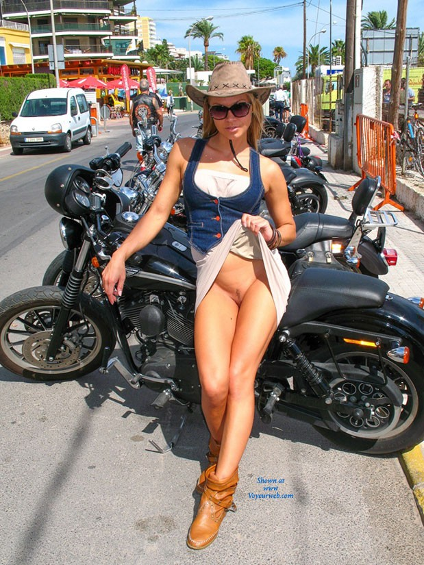 Pic #1Bike Show - Bikini Voyeur, Big Tits, Beach, Hard Nipples, Shaved, Pussy, Flashing, Public Exhibitionist, Public Place