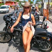 Bike Show - Big Tits, Bikini, Exposed In Public, Flashing, Hard Nipple, Nude In Public, Pussy Lips, Shaved, Beach Voyeur , BIKE Show... And Not Only...