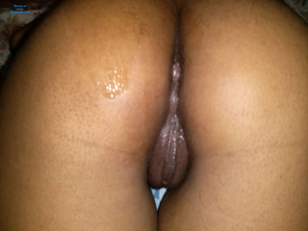 Brown and wet pussy
