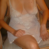 Medium tits of my wife - Bianca