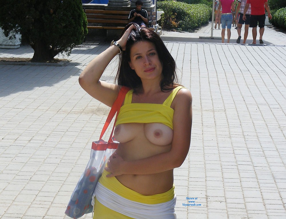 Viko in The City - Big Tits, Brunette Hair, Exposed In Public, Flashing, Navel Piercing, Nude In Public, Shaved , Sexy Summer :) 