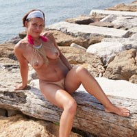 First Pictures of My Wife - Big Tits, Beach Voyeur, Wife/wives , I Finally Managed To Convince His Wife To Shoot Photos. And I Think That Is Something To Watch. What Do You Think? We Continue ....? ;-)
