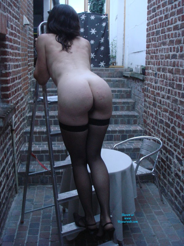 Pic #1 Wife Posing 2 - Brunette, Wife/wives