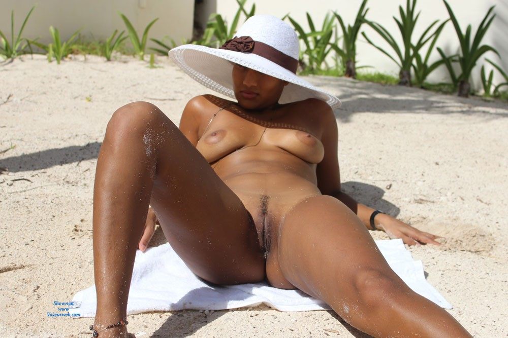 Pic #1Fuck Me... Please!! - Beach, Big Tits, Pussy, Round Ass, Big Ass