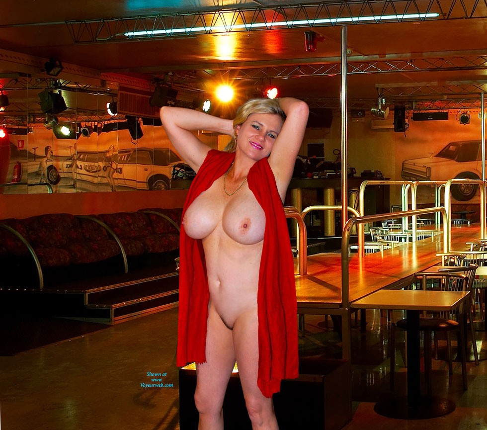 Empty Club - Big Tits, Blonde Hair , We Took These A Few Months Ago Before The Club Opened, So Only The Manager And A Couple Of Cleaners About.