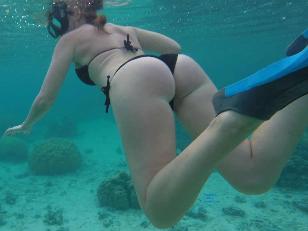 Wifes Ass in Moorea - Bikini, Wife/wives