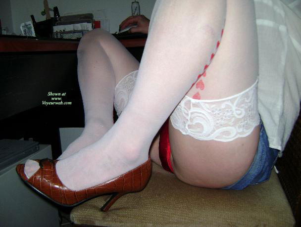 Pic #1Leggy Wife Of Mine