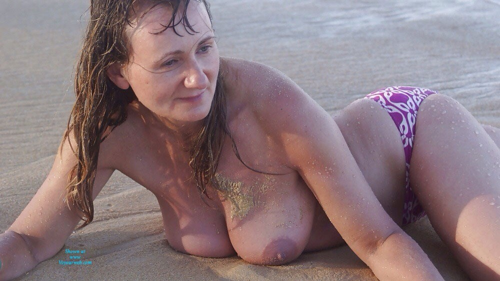 Beach Tits - Big Tits, Beach Voyeur , I Love Show My Hangers And Want Give To Check It