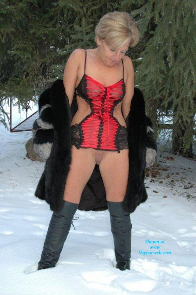 Pic #1Hot in The Snow - Blonde, Hard Nipples, Mature, Shaved, Wife/wives