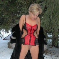 Hot in The Snow - Blonde, Hard Nipples, Mature, Shaved, Wife/wives