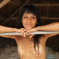 Nelly And Tulum - Brunette Hair, Beach Voyeur , An Easy Girl And The Beautiful Beaches Of Tulum. A Good Time To Do Nude Photos!